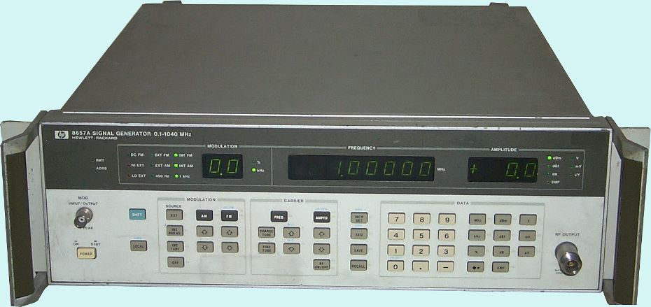 Hewlett Packard HP 8657A High Frequency Generator